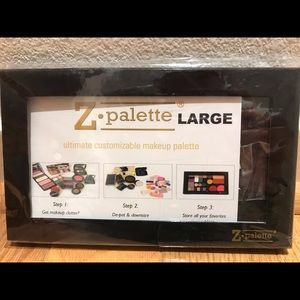 Brand new Z palette (Large) for your makeup !!